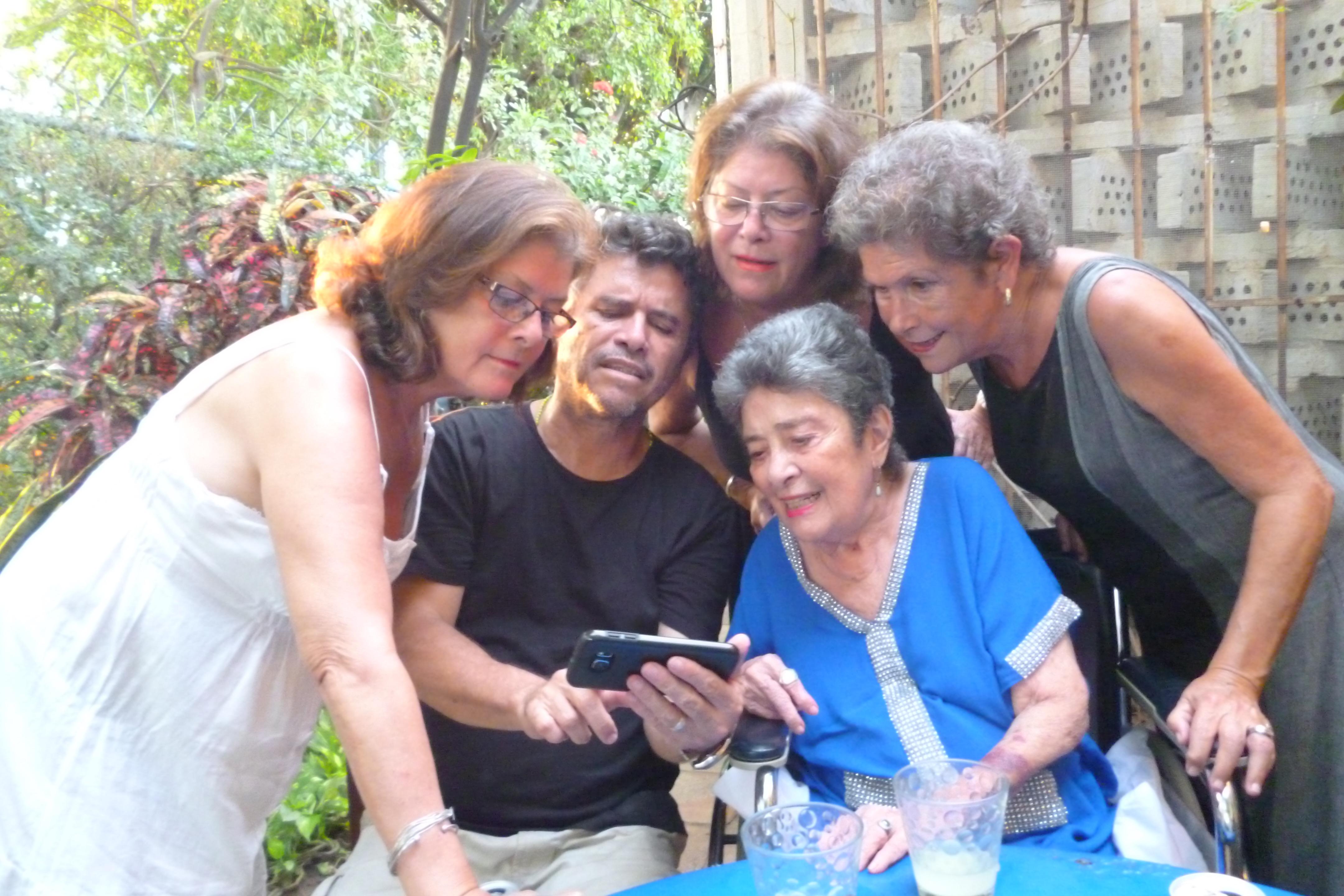 Un profilo di Claribel Alegría  tracciato dai suoi figli
